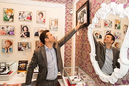 Сергей Астахов предпочитает выбирать эксклюзивные подарки изнатуральных камней только в«Галерее Самоцветов»