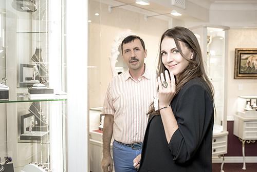 Татьяна Лютаева ипрезидент ювелирного холдинга «Галерея самоцветов»Владислав Денисов