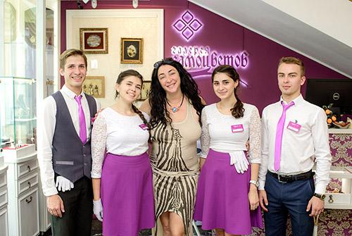 Лолита Милявская вVIP-салоне «Галерея самоцветов» наАрбате