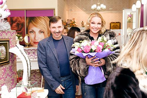 Анастасия Волочкова всалоне премиум-класса Галерея самоцветов