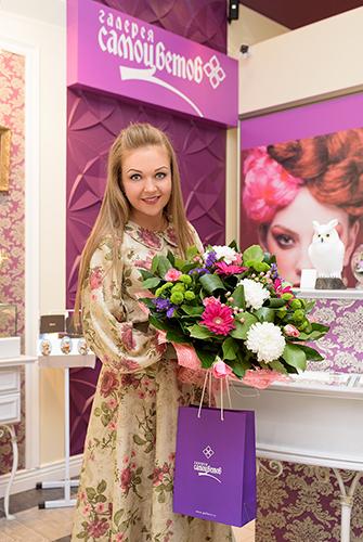 Певица иактриса Марина Девятова в«Галерее самоцветов»