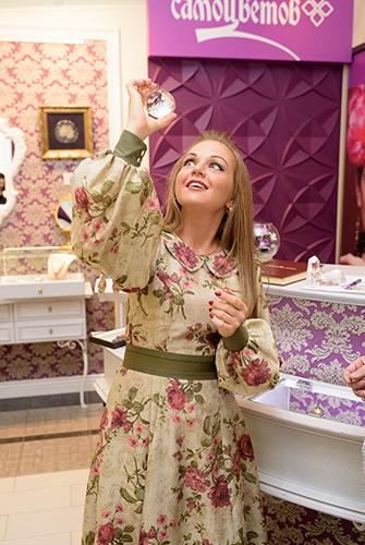 Марина Девятова выбирет подарки изнатуральных камней только в«Галерее Самоцветов»