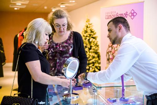 Гости выставки «Галереи самоцветов» смогли приобрести эксклюзивные украшения ведущих ювелирных брендов