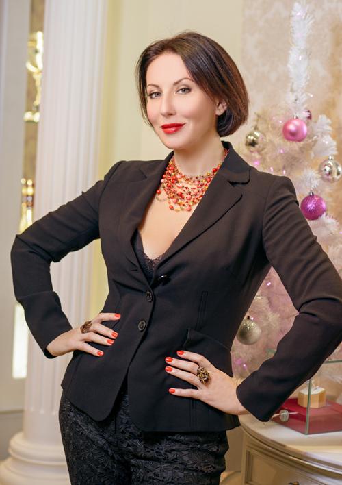 Алика Смехова обожает бывать в«Галерее самоцветов»