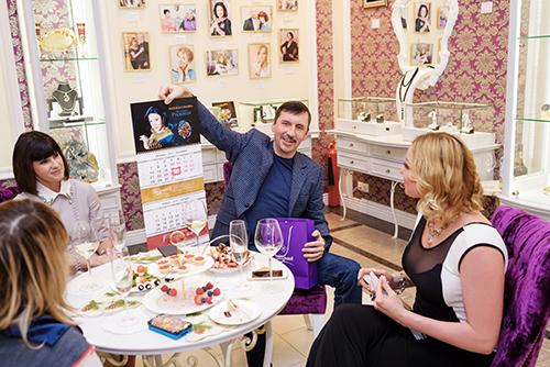 Анастасия Волочкова частый гость вГалерее самоцветов