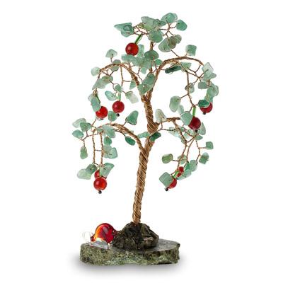И сувениры деревья и цветы из камня